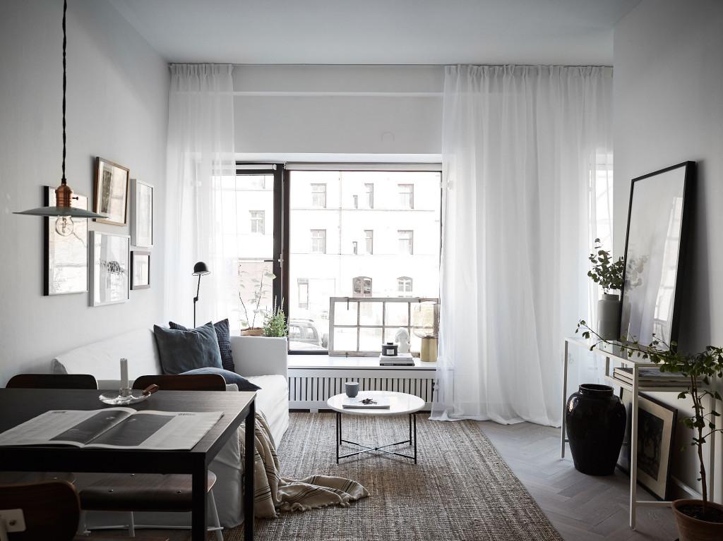 Hur inreder man med stora och låga fönster?
