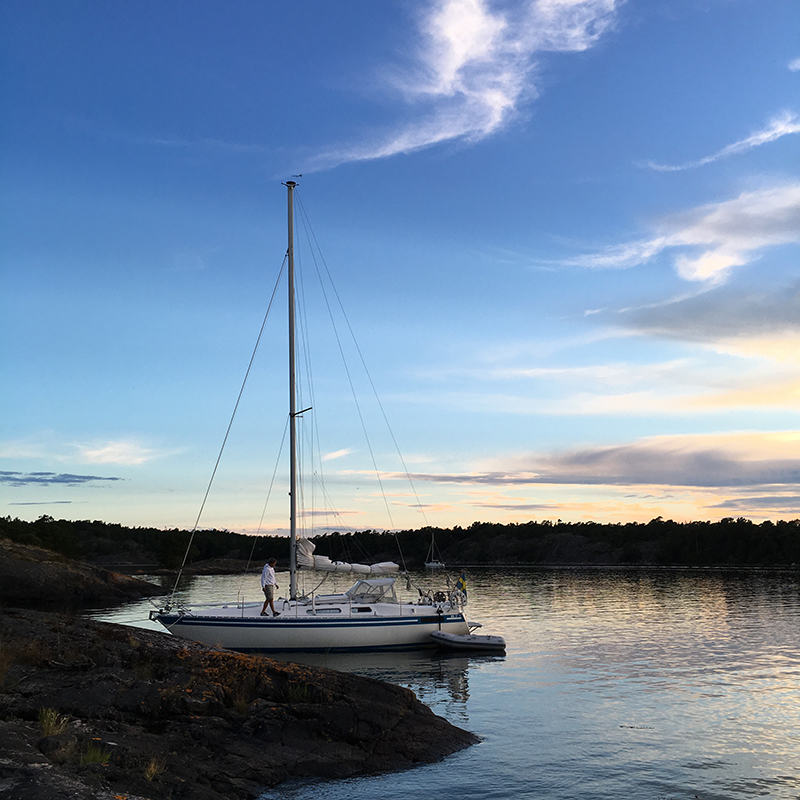 Segelsemester, segelbåt, hav, blå himmel, solnedgång